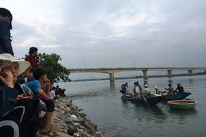 Tắm sông Gianh, nam sinh lớp 8 chết đuối thương tâm