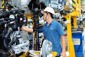 Việt Nam tiếp tục tăng trưởng cao nếu không có cú sốc thương mại