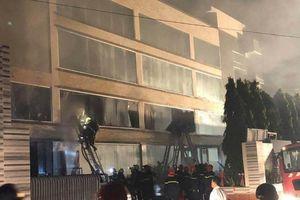 TPHCM: Cháy lớn tại xưởng sản xuất của công ty Bánh kẹo Á Châu