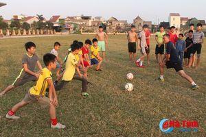 Cầu thủ nhí Hà Tĩnh luyện giò, háo hức chờ ngày PVF tuyển sinh