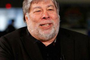 Đồng sáng lập Apple – Wozniak đã bỏ Facebook