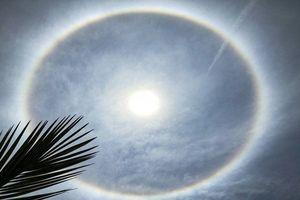 Vầng hào quang bí ẩn xuất hiện trên bầu trời TQ gây sốc