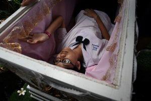 Tiệm cà phê cho khách 'trải nghiệm cái chết' ở Thái Lan