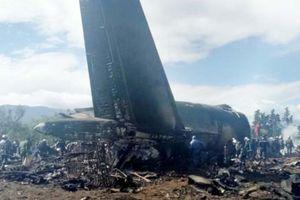 Rơi máy bay quân sự Algeria, hơn 200 người chết