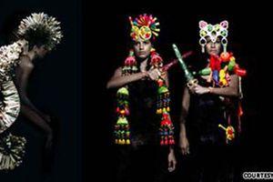 Sáng tạo thời trang từ những đồ vật phế thải