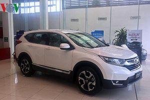 Mua Honda CR-V, khách hàng bị ép mua thêm phụ kiện?