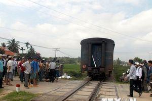 Đi bộ cắt qua đường sắt, cụ bà 86 tuổi bị tàu hỏa đâm chết