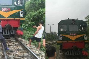 Đi bộ trên đường ray, người phụ nữ bị tàu hỏa tông tử vong