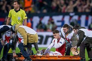 Aaron Ramsey bất chấp chấn thương vào sân ghi bàn