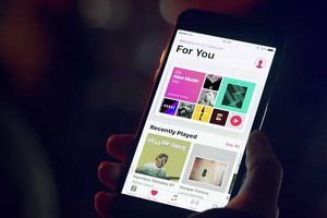 Người dùng Apple Music là 40 triệu trong khi Spotify đã có 71 triệu
