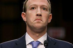 Những khoảnh khắc dở khóc dở cười khi ông chủ Facebook bị 'xoay như dế' bởi 44 nghị sĩ Mỹ