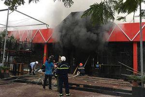 Cháy lớn tại một quán bar ở Hải Phòng
