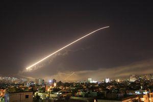 Lưới lửa phòng không Syria rực sáng bầu trời Damascus, 13 tên lửa liên quân Anh-Pháp-Mỹ bị bắn hạ