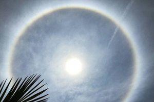 Xuất hiện vầng hào quang gây sốc trên bầu trời Trung Quốc