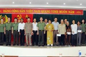 Báo CAND tri ân các gia đình thương binh liệt sĩ trong hành trình về nguồn