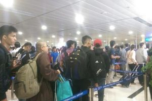 Sân bay Tân Sơn Nhất hướng dẫn hành khách làm thủ tục đi máy bay dịp tết