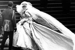 Điểm lại 12 đám cưới Hoàng gia đẹp như truyện cổ tích