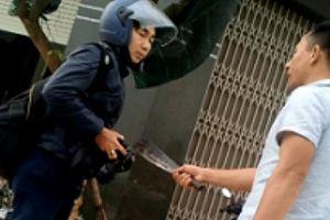 Khởi tố đối tượng cầm dao dọa giết PV Dân Việt khi tác nghiệp