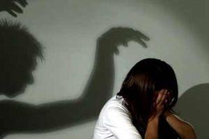 Điều tra nghi án thầy giáo dâm ô với 9 học sinh nữ