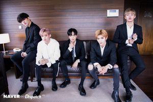 Fan Kpop phát cuồng khi 5 thủ lĩnh boygroup siêu hot hội tụ trong một bức ảnh