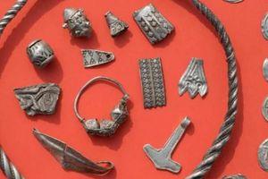 Cậu bé Đức tìm ra tài sản vô giá từ thế kỷ 10