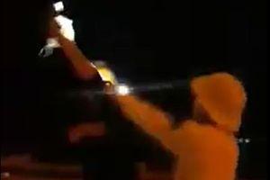 Lộ hình thức kỷ luật CSGT rọi đèn pin vào mặt người dân
