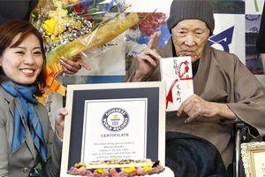Cụ ông cao niên nhất thế giới