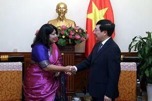 Phó Thủ tướng Phạm Bình Minh tiếp Đại sứ Bangladesh