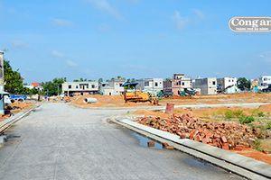 'Bê-tông hóa' làng quê để phát triển du lịch (Tiếp theo và hết: Mắc kẹt giữa các dự án treo)