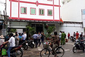 Khách nước ngoài ôm va ly tháo chạy khỏi khách sạn bốc cháy ở Sài Gòn
