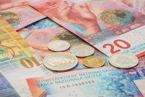 Đồng Franc chuẩn bị quay lại ngưỡng thấp nhất, Thụy Sĩ sắp tăng lãi suất?
