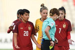 Chơi như U-23 VN, Thái Lan suýt khiến Úc ôm hận