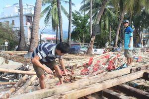 Xung quanh việc cấp tiền hỗ trợ sau bão số 12 ở Khánh Hòa: Nhà mất trắng thì 'móm', cán bộ xã hưởng lợi