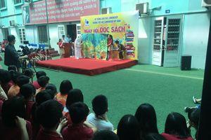 Niềm vui của học sinh tiểu học Lômônôxốp trong ngày hội đọc sách