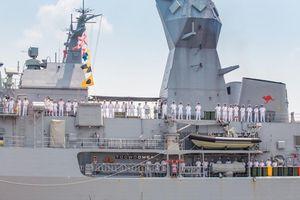 Tàu Hải quân Hoàng gia Australia bắt đầu chuyến thăm thiện chí Việt Nam