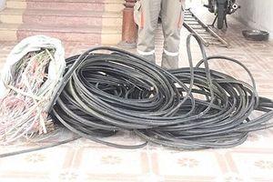 Nam thanh niên cắt trộm hơn 500m dây cáp viễn thông của VNPT Hà Tĩnh