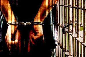 Khởi tố 3 đối tượng để điều tra hành vi chống người thi hành công vụ
