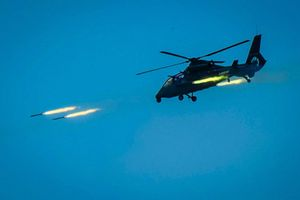 Trực thăng chiến đấu tập trận bắn tên lửa ở đông nam Trung Quốc