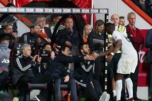 MU lập kỷ lục thời hậu Sir Alex Ferguson, Pogba cạch mặt Mourinho