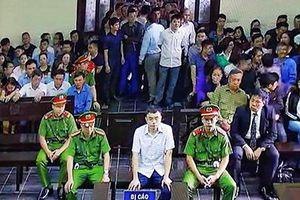 Cựu nhà báo Lê Duy Phong bị xem xét hình phạt từ 3-4 năm tù về tội 'Cưỡng đoạt tài sản'