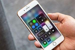 iPhone 8 Plus vừa mạnh mẽ vừa 'truyền thống'