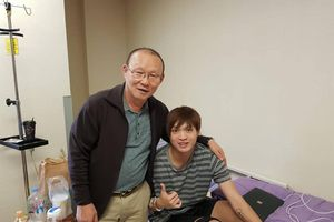 HLV Park Hang Seo dặn dò Tuấn Anh: Thầy sẽ luôn chờ em hồi phục