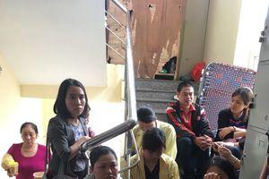 Học sinh tiểu học ngã từ tầng 4 vẫn chưa qua nguy kịch