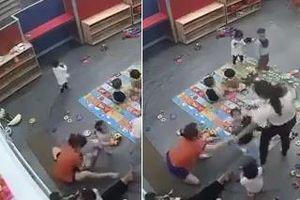 Nghệ An: Lộ clip nữ giáo viên mầm non đập trẻ xuống nền nhà, đánh liên tiếp vào người gây phẫn nộ