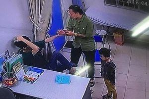 Khởi tố người nhà bệnh nhi tấn công bác sĩ BV Xanh Pôn