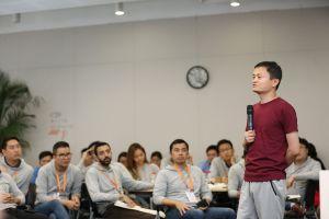 Những doanh nhân châu Á đầu tiên tốt nghiệp trường KD Alibaba