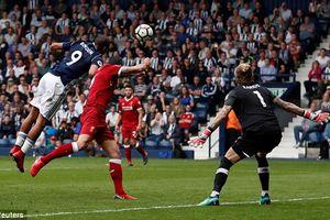 Salah ghi bàn, Liverpool vẫn mất điểm trước đội bóng bét bảng