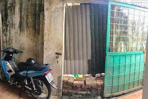 Đưa côn đồ về bịt kín cổng hàng xóm, dân không có lối vào nhà