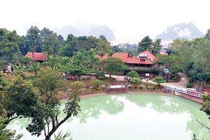 Khu du lịch 'nội bất xuất, ngoại bất nhập' rộng hơn 20ha xây trái phép trên đất vàng Quảng Ninh