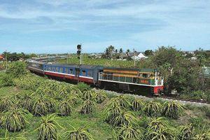 Tàu Thống Nhất trật bánh, đường sắt bắc - nam bị ảnh hưởng